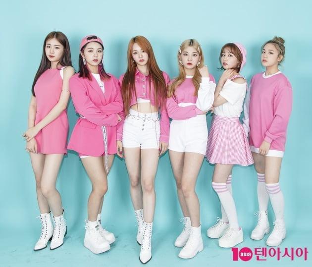 그룹 우아의 우연(왼쪽부터), 루시, 나나, 민서, 소라, 송이./ 이승현 기자 lsh87@
