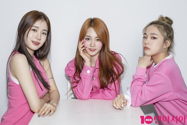 그룹 우아의 우연(왼쪽부터), 나나, 송이./ 이승현 기자 lsh87@