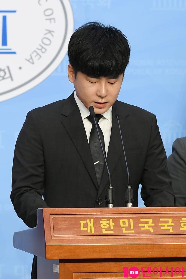 [TEN 포토] 故 구하라의 친오빠 구호인