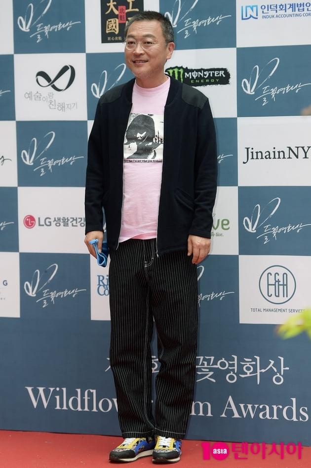 [TEN 포토] '들꽃영화상' 김의성, '조금 야윈 모습'