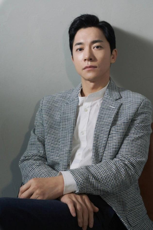 JTBC 금토드라마 '부부의 세계'에서 손제혁 역을 맡은 배우 김영민./사진제공=PR 이데아