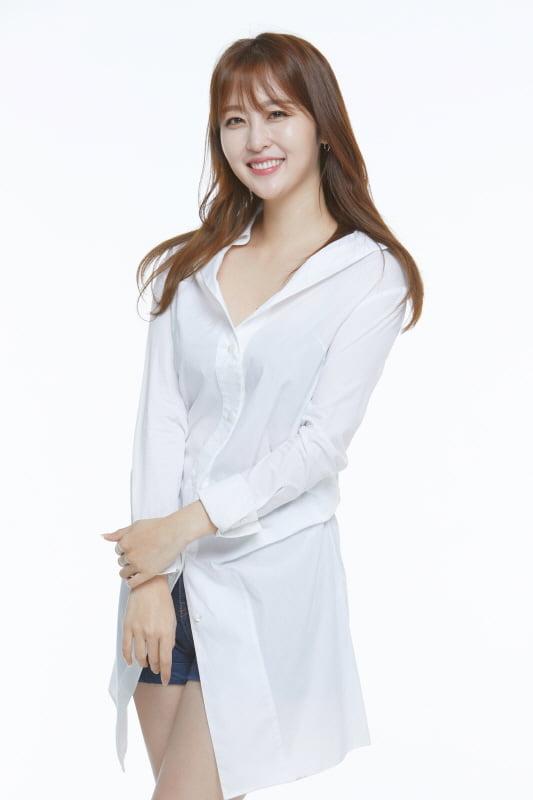 신아영 '별별체크' MC 발탁…25일 첫 방송 [공식]
