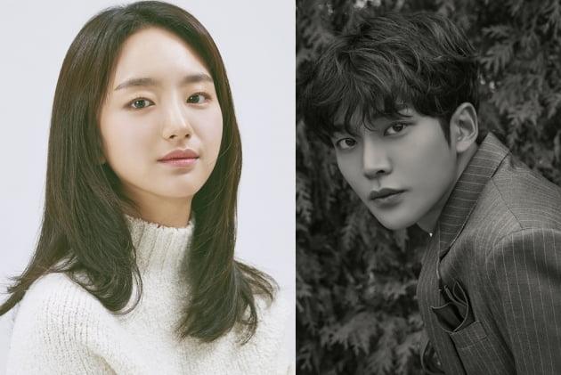 배우 원진아(왼쪽)와 로운/ 사진=JTBC 제공