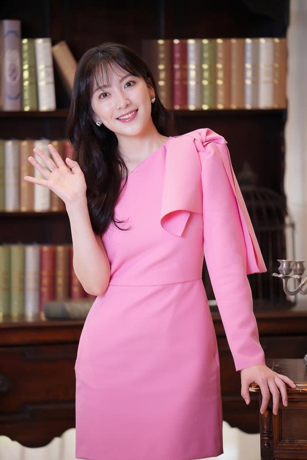 [TEN 포토] '야식남녀' 강지영, '핑크빛 미모'