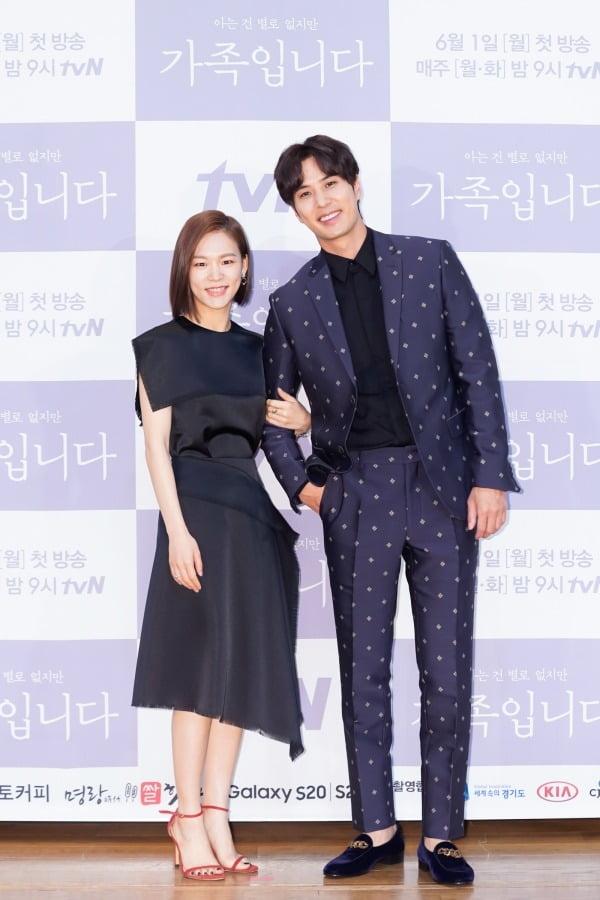 배우 한예리, 김지석./사진제공=tvN