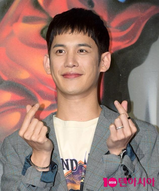 [TEN 포토] '꼰대인턴' 박기웅, '하트 날리는 대표님'