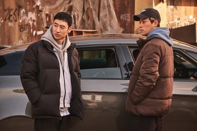 영화 '사냥의 시간' 이제훈(왼쪽), 박정민 / 사진제공=넷플릭스