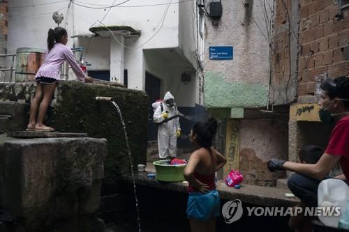 부자가 들여온 바이러스가 빈민들 덮쳐…중남미 코로나19의 비극