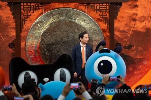 美 '상장 금지' 칼날에 中 기업들, 홍콩으로 향한다(종합)