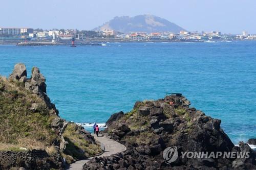 황금연휴도 '거리두기 유지'…'드라이브 스루' 제주여행 추천