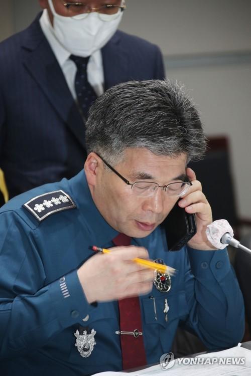 황운하, 내일이면 '경찰·의원' 겸직…경찰청 여전히 해법 모색