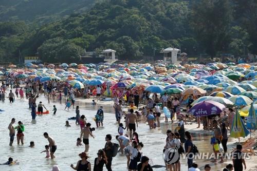 홍콩 일부 국제학교 개학…사흘째 코로나19 확진자 '0명'