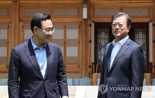 """문대통령 """"우리의 재래식 군사력, 북한에 월등"""""""