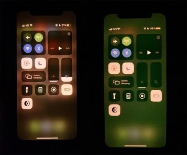 정상 화면(왼쪽)과 녹조현상이 발생한 화면(오른쪽)/사진=트위터 캡처