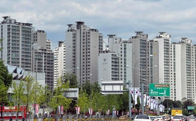 토지거래허가구역으로 묶인 서울 잠실동 잠실엘스 아파트. 한경DB