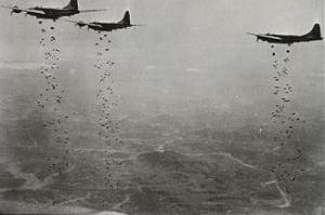 한국전쟁 당시 폭탄 투하하는 유엔군 폭격기들 / 연합뉴스