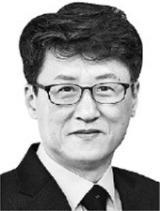 [오형규 칼럼] '오병이어 기적' 이루겠다는 정치인들