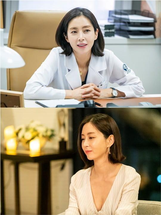 '우아한 친구들' 송윤아 (사진제공= 스튜디오앤뉴·제이씨앤)