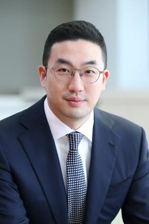 """구광모 LG 회장, 현장 경영 주력…""""도전하지 않는 것이 실패"""""""