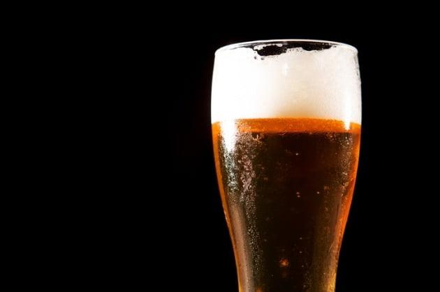 본격적인 성수기 여름을 앞두고 무알코올 맥주 시장에 새 얼굴이 등장했다. 일본 불매운동의 수혜주로 떠오른 칭따오가 무알코올 시장에도 출사표를 던졌다. 사진=게티이미지뱅크