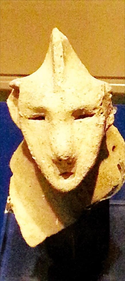 일본 시마네현에서 발굴된 전기 야요이시대 토기의 얼굴(이즈모박물관)