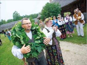 [이 아침의 풍경] 리투아니아의 여름 축제