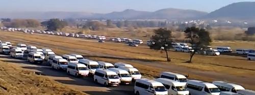 남아공 미니버스 택시 파업 시위…통근길 발목