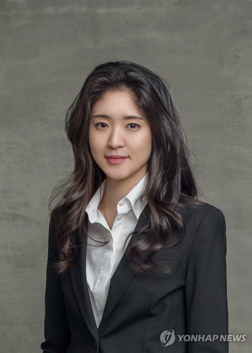 아모레 서민정·보광 홍정환 약혼…홍라희·이부진 등 참석