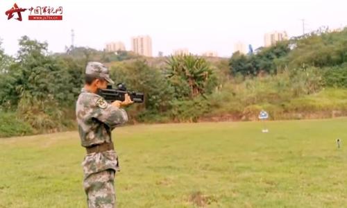 중국, 최첨단무기 '레일건' 권총 크기 모델 개발