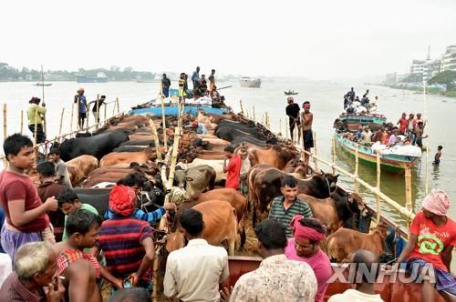 방글라 다카서 선박 뒤집혀 23명 익사·수십명 실종