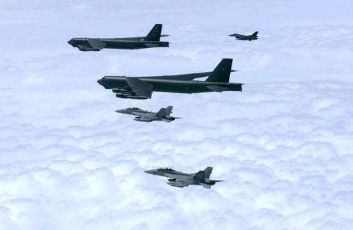B-52H 폭격기 3대 알래스카 배치…유사시 한반도 인근 작전 가능