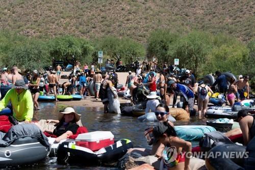 술집 문 닫고 해변 폐쇄…'코로나 재확산' 미국, 다시 규제로