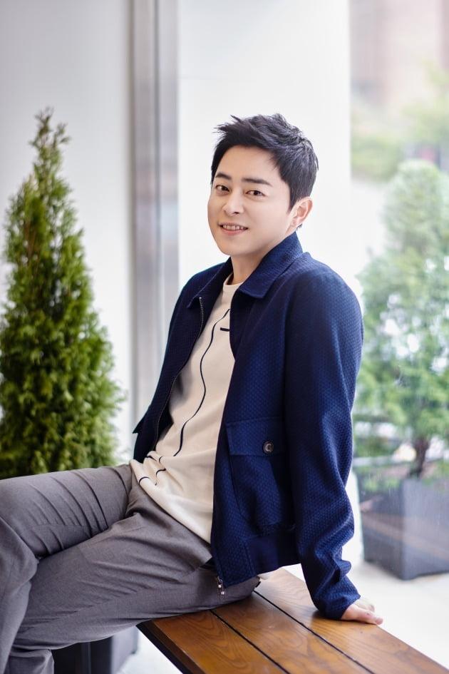 tvN 드라마 '슬기로운 의사생활'에서 율제병원의 간담췌외과 교수 이익준 역으로 열연한 배우 조정석. /사진제공=잼엔터테인먼트