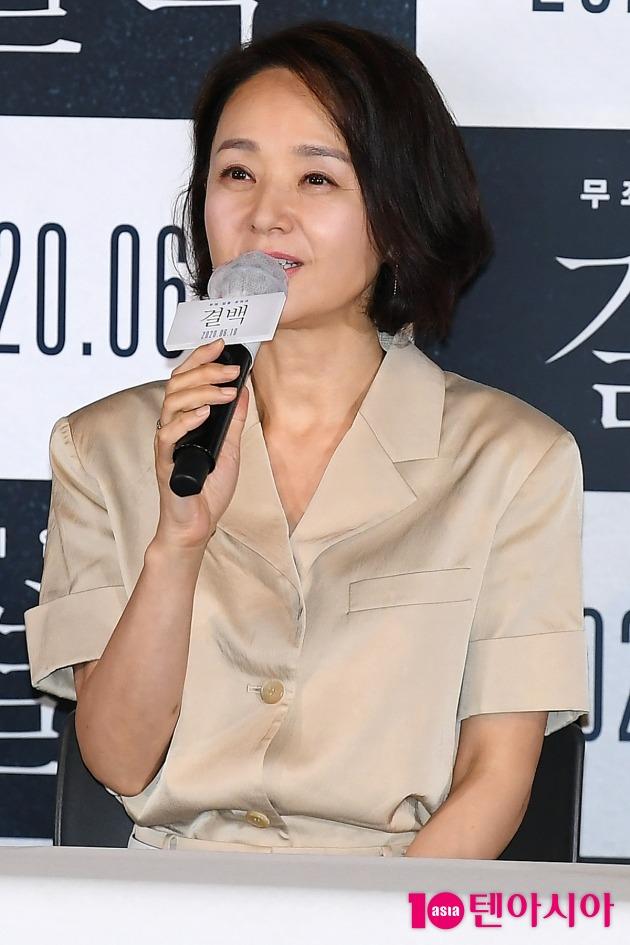 [TEN 포토] 배종옥 '영화 결백으로 인사드려요'