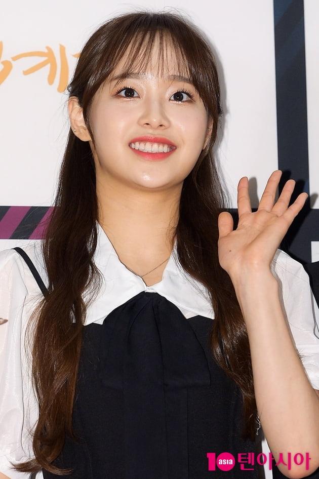 [TEN 포토] 이달의소녀 츄 '애교 가득한 인사'