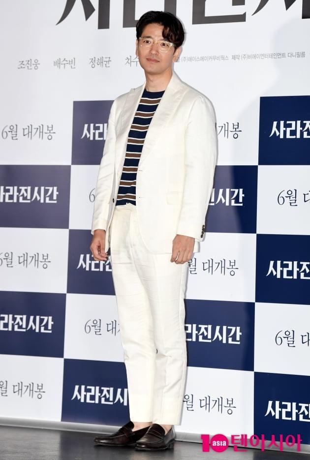[TEN 포토] '사라진 시간' 배수빈 '아무나 소화 못하는 올화이트 수트핏'