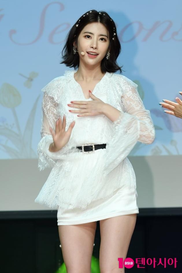 [TEN 포토] 다이아 희현 '점점 진화하는 미모'