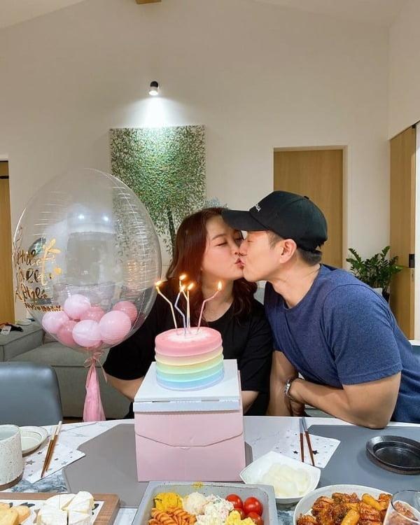 심진화, 41번째 생일에 ♥김원효와 달달 입맞춤…애정 넘치는 부부