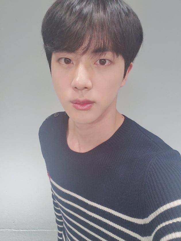"""방탄소년단, 데뷔 7주년 자축+감사 """"아미 사랑한다"""""""
