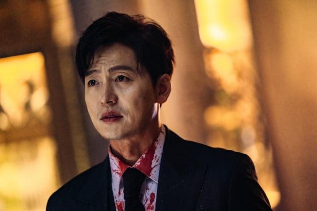 '더 킹'에서 악역으로 강한 인상을 남긴 배우 이정진 /사진=SBS 제공