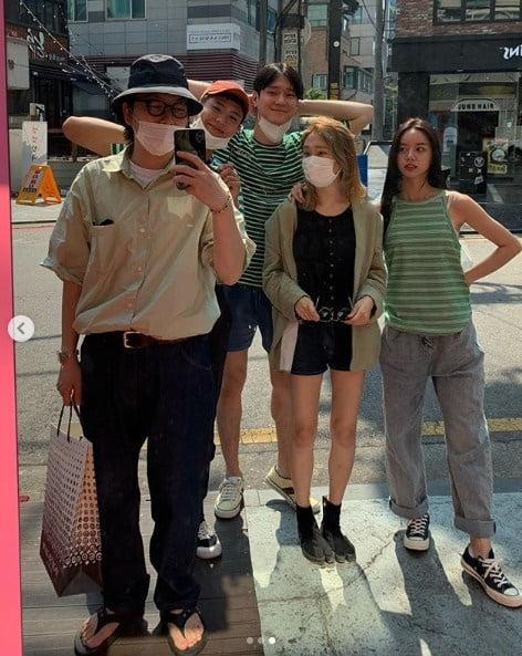'응답하라 1988' 출연 배우들 / 사진 = 이동휘 인스타그램