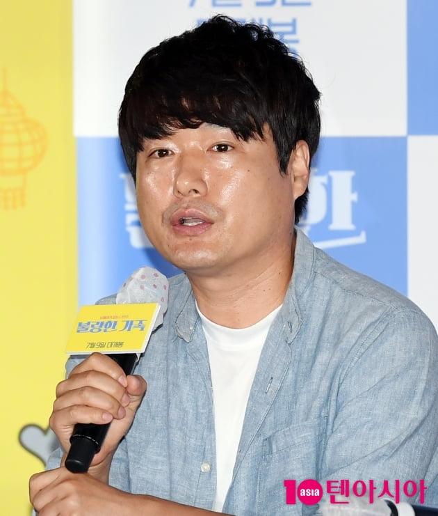 """[TEN 포토] '불량한 가족' 장재일 감독 """"편안한 가족이야기 영화다"""""""