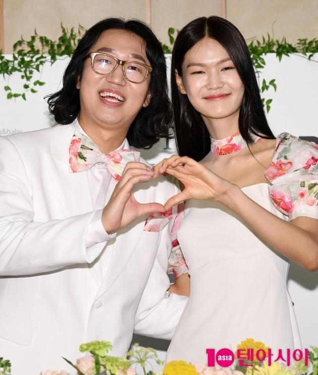 [TEN 포토] 김경진-전수민 '행복하게 살겠습니다' (결혼식 기자회견)