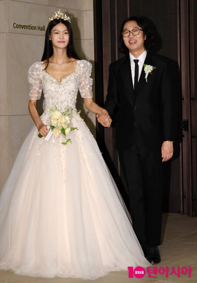[TEN 포토] 김경진-전수민 결혼식 '행복한 신부와 신랑'