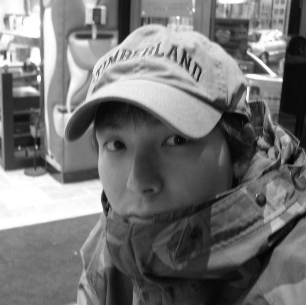 """태사자 김형준, 故 박용하 10주기 추모 """"한참 울었다…보고싶다 친구야"""""""
