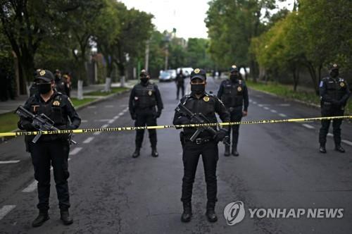 멕시코시티 경찰수장, 총격피습에 부상…경찰·시민 등 3명 사망