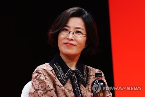 이선희, 16집 타이틀곡 '안부'서 엑소 찬열과 호흡