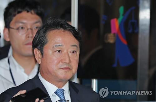 '인보사 의혹' 이웅열 전 코오롱 회장 오늘 구속 기로