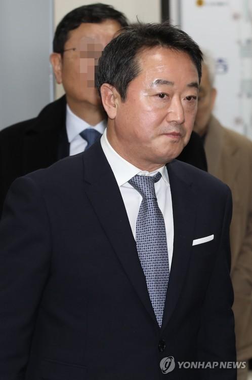 검찰, '인보사 의혹' 이웅열 전 코오롱 회장 구속영장 청구(종합)