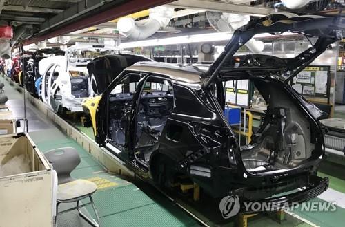 """코로나19에 자산매각 추진하는 한국GM…노조 """"구조조정"""" 반발"""